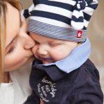 授乳中のヘアカラーリング(白髪染め)は母乳に影響が出るのでしょうか?【Q&A】
