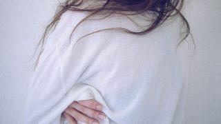 傷んだ髪の毛のまま髪を伸ばすと、新しく生えてくる髪の毛に悪影響ですか?【Q&A】