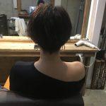 今日もショートヘア切ってます。